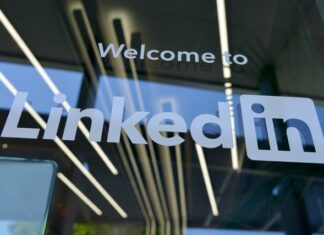 Can you post a job on linkedin for free?